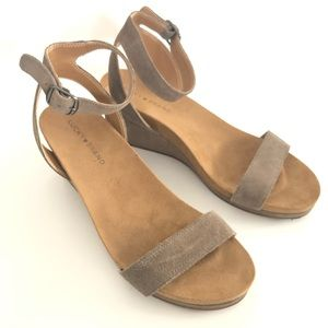 Lucky Brand Karston Wedge Sandals Gray Taupe 9M